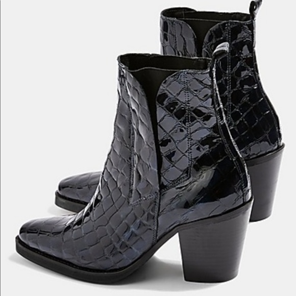 b1a0f7d53575 Topshop Mason Croc Effect Chelsea Boots Blue. M 5c226f8ba31c3315ba9ce7f0